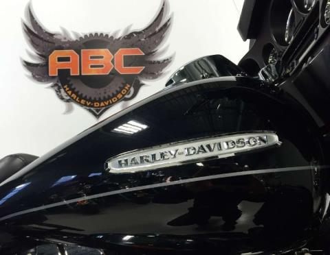 2011 Harley-Davidson Electra Glide® Ultra Limited in Waterford, Michigan
