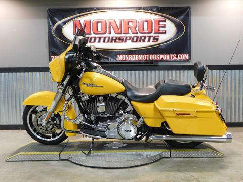 2013 Harley-Davidson Street Glide® in Monroe, Michigan - Photo 2