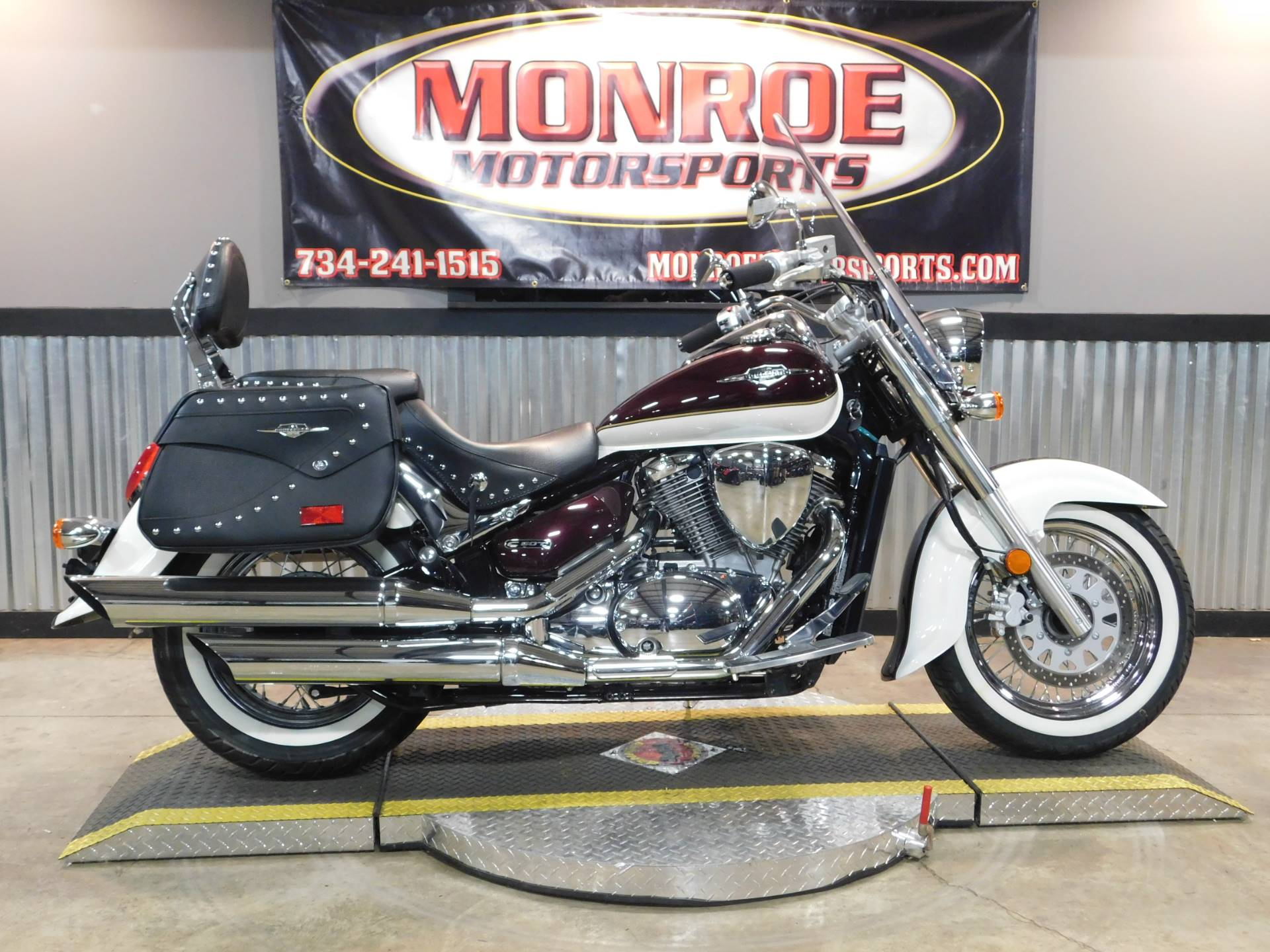 2014 Suzuki Boulevard C50T in Monroe, Michigan - Photo 1