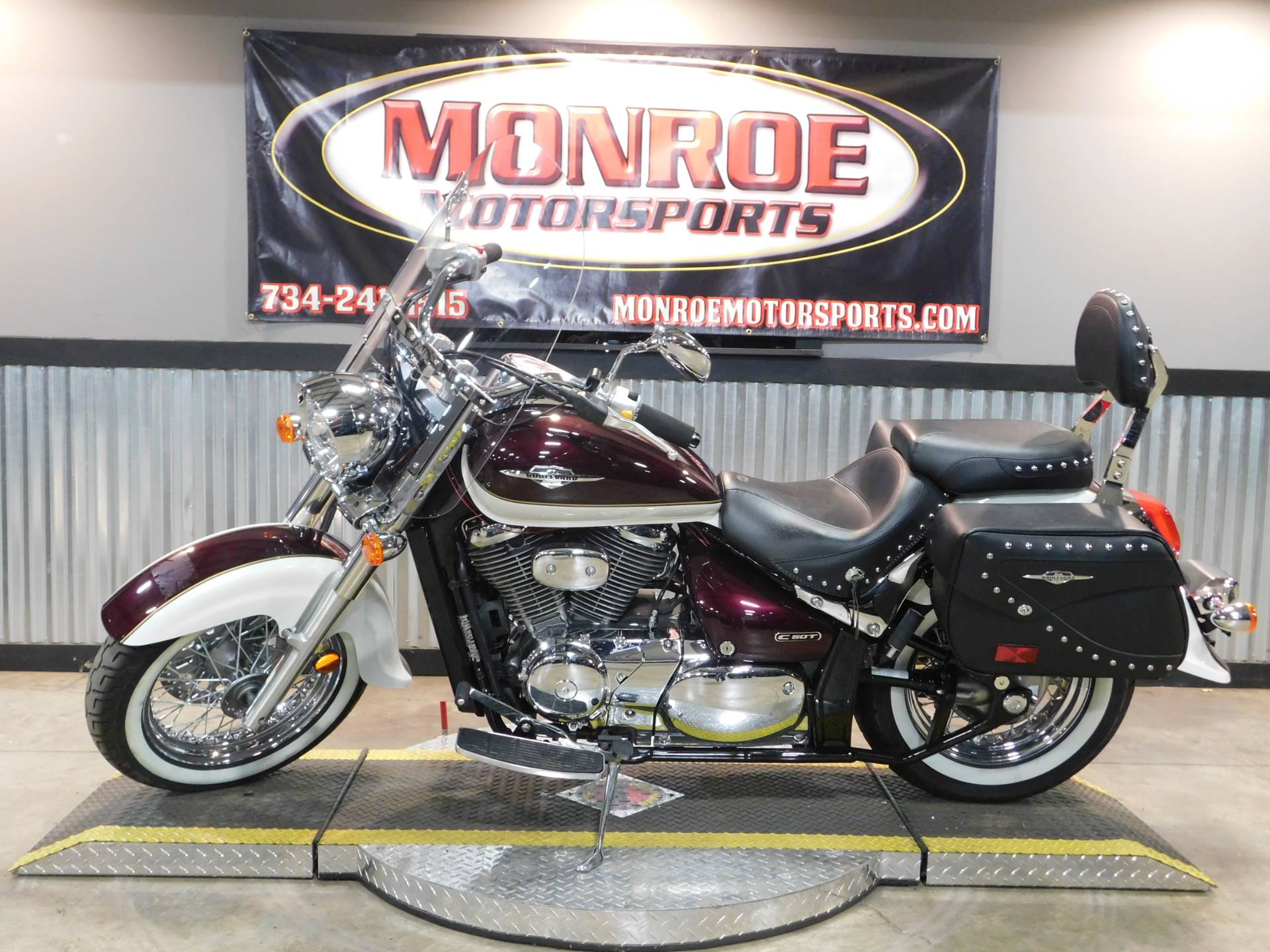 2014 Suzuki Boulevard C50T in Monroe, Michigan - Photo 2
