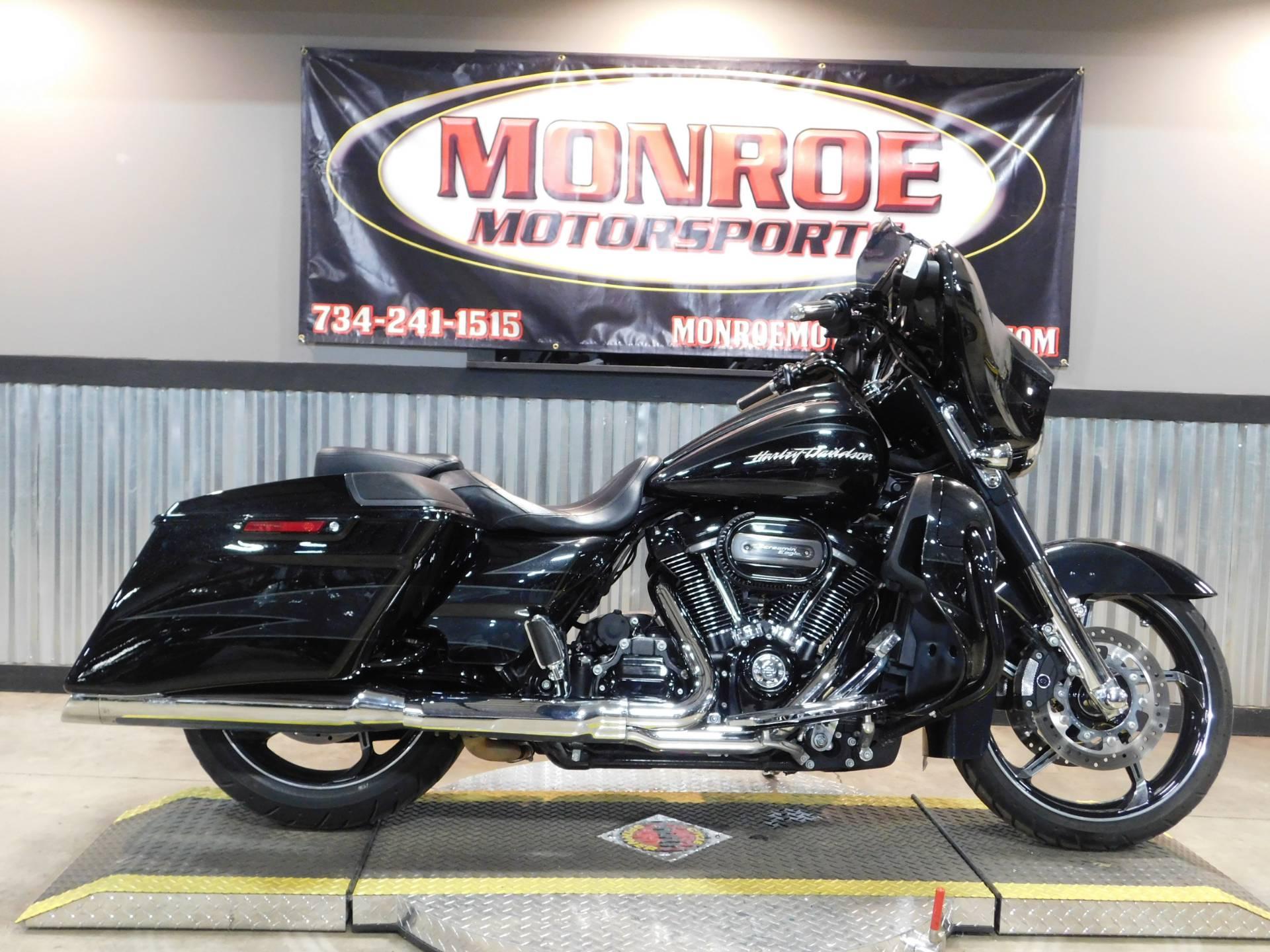 Harley Davidson Michigan >> Used 2017 Harley Davidson Cvo Street Glide Motorcycles In Monroe