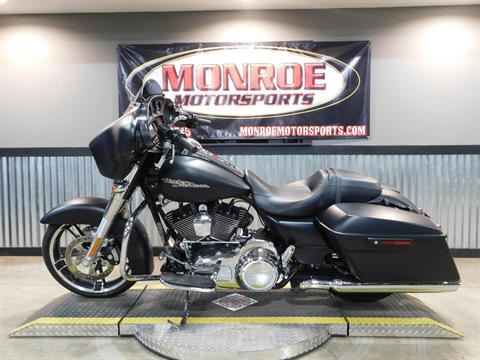 2016 Harley-Davidson Street Glide® in Monroe, Michigan - Photo 1