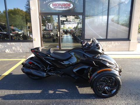 2016 Can-Am Spyder RS-S SE5 in Monroe, Michigan