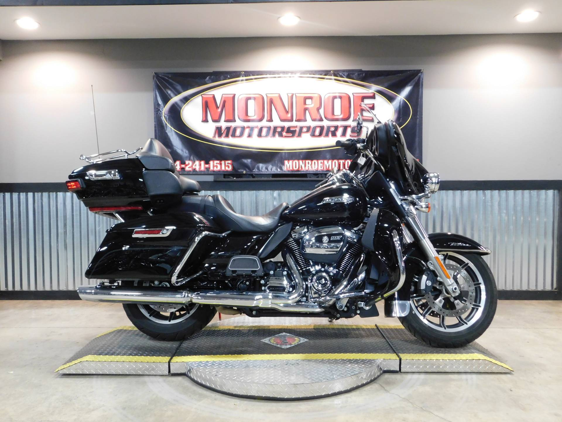 2018 Harley-Davidson Electra Glide® Ultra Classic® in Monroe, Michigan - Photo 1