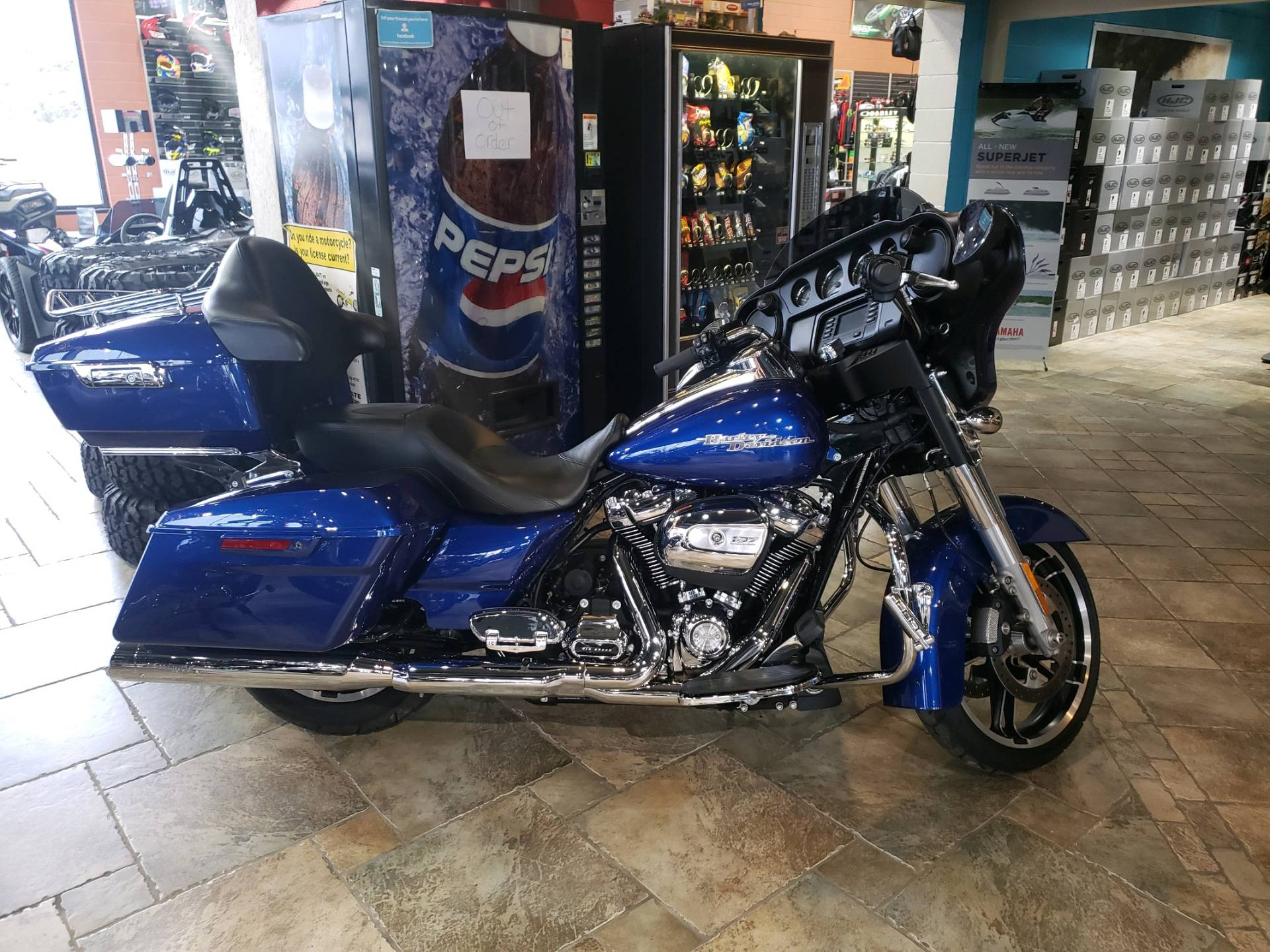 2017 Harley-Davidson Street Glide® in Monroe, Michigan - Photo 1