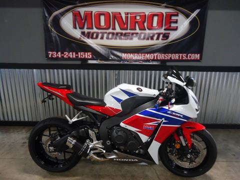 2015 Honda CBR®1000RR in Monroe, Michigan