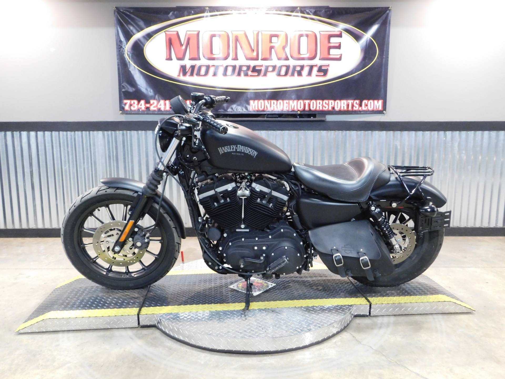 2013 Harley-Davidson Sportster® Iron 883™ in Monroe, Michigan