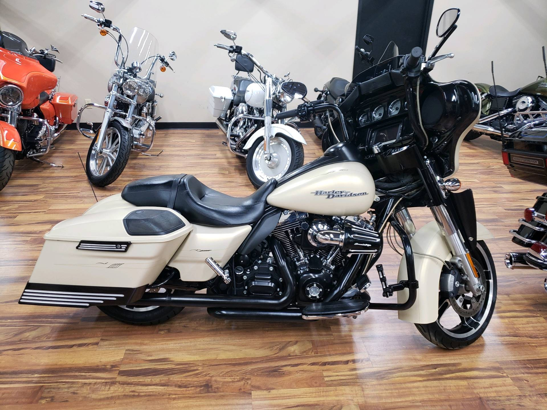 2014 Harley-Davidson Street Glide® Special in Monroe, Michigan - Photo 1