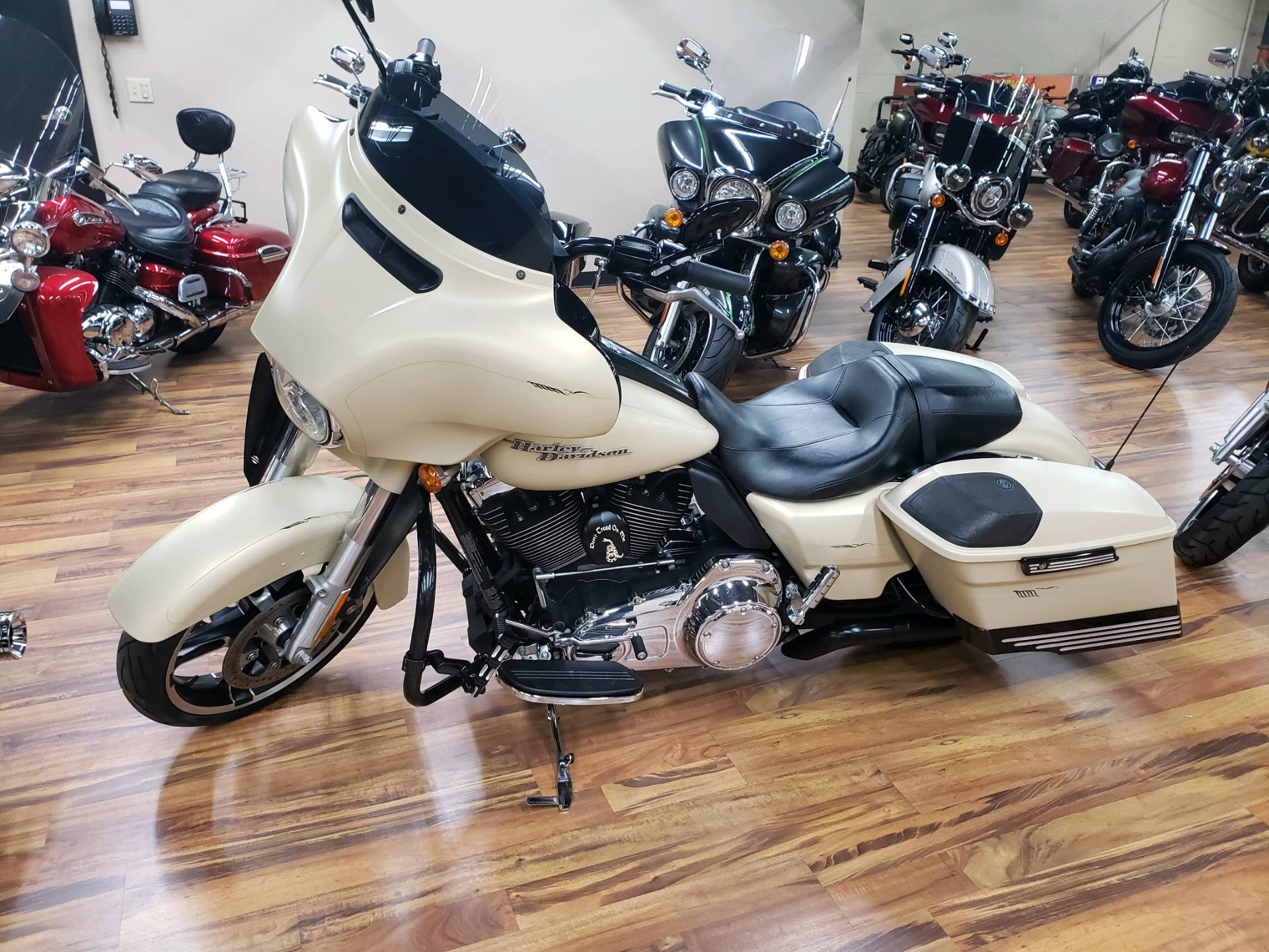 2014 Harley-Davidson Street Glide® Special in Monroe, Michigan - Photo 2