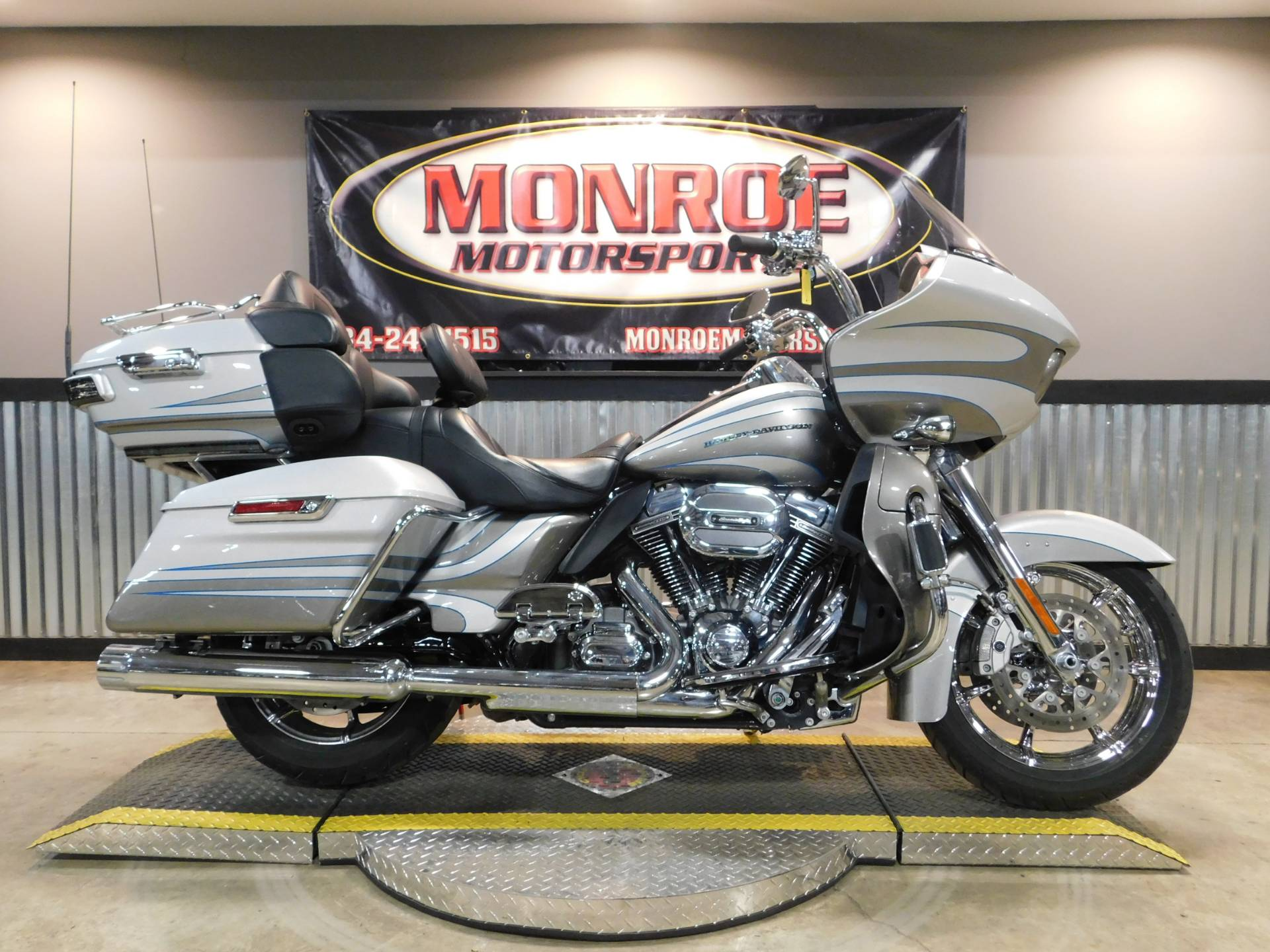 2016 Harley Davidson Cvo Road Glide Ultra In Monroe Michigan