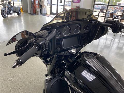 2016 Harley-Davidson CVO™ Street Glide® in Ukiah, California - Photo 3