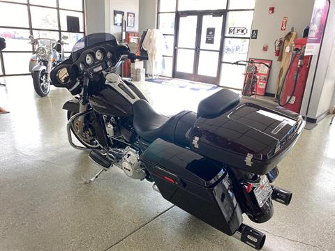 2011 Harley-Davidson Street Glide® in Ukiah, California - Photo 3