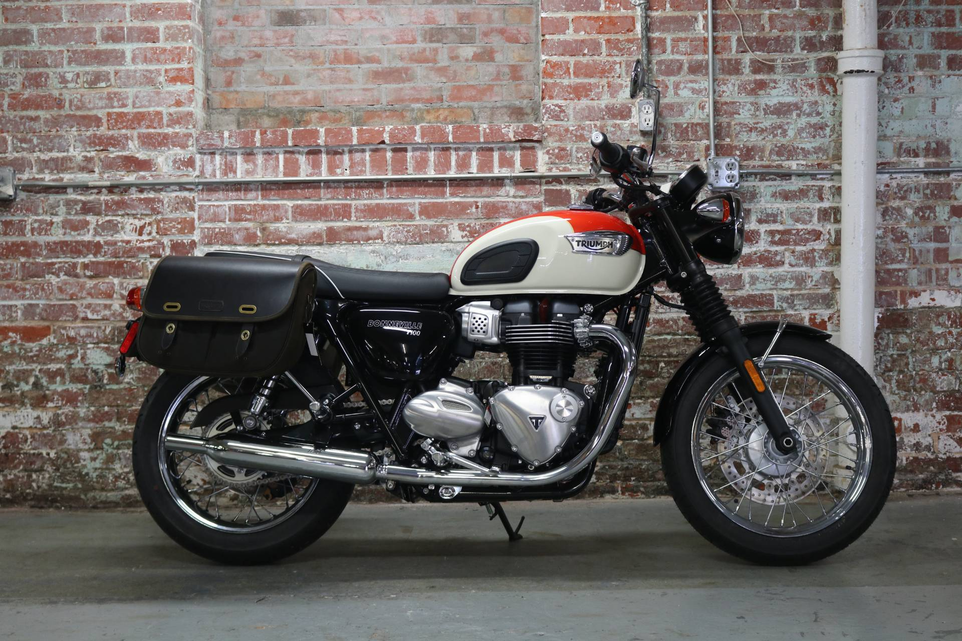 2018 Triumph Bonneville T100 in Greensboro, North Carolina - Photo 1