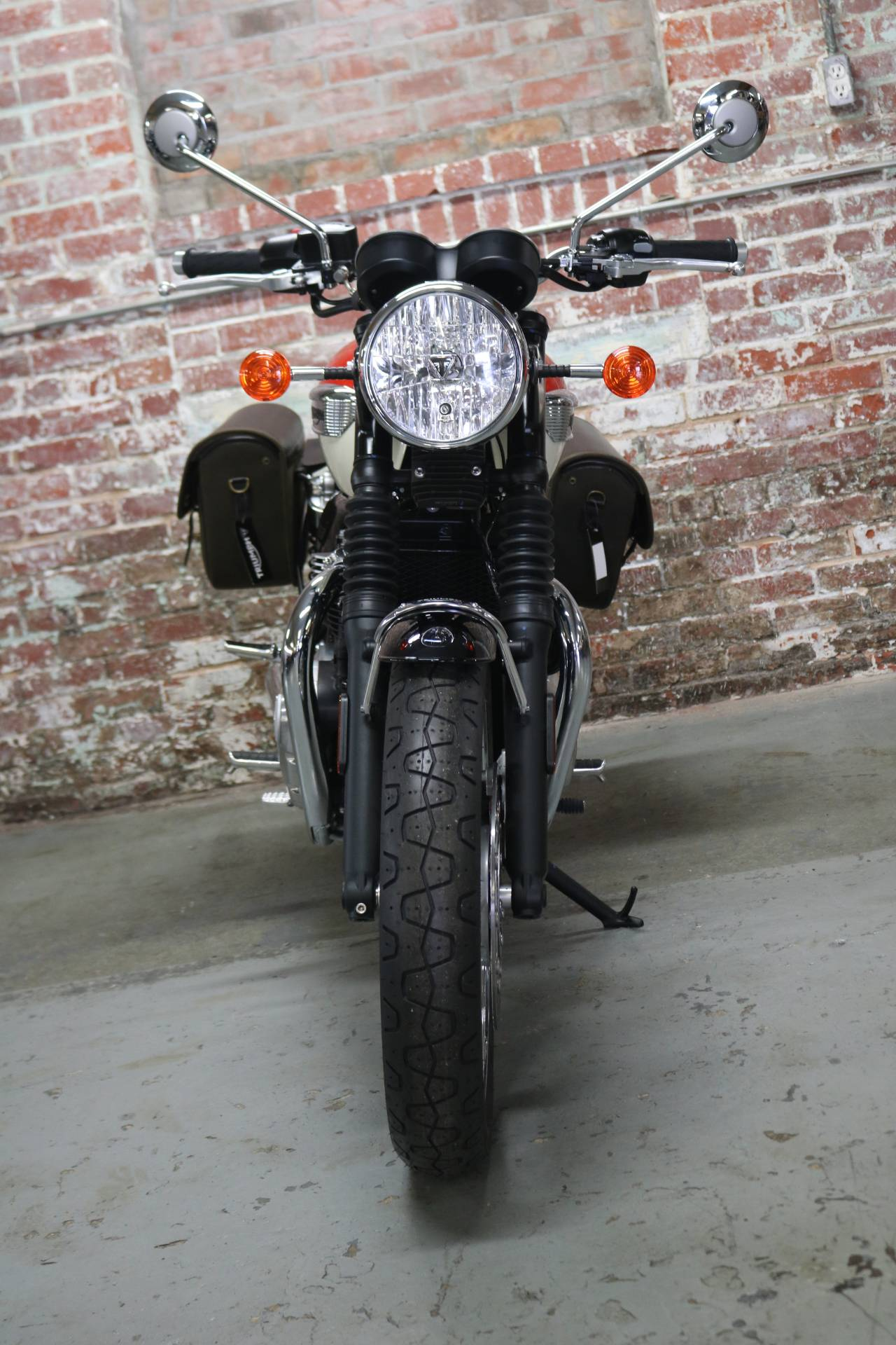 2018 Triumph Bonneville T100 in Greensboro, North Carolina - Photo 3