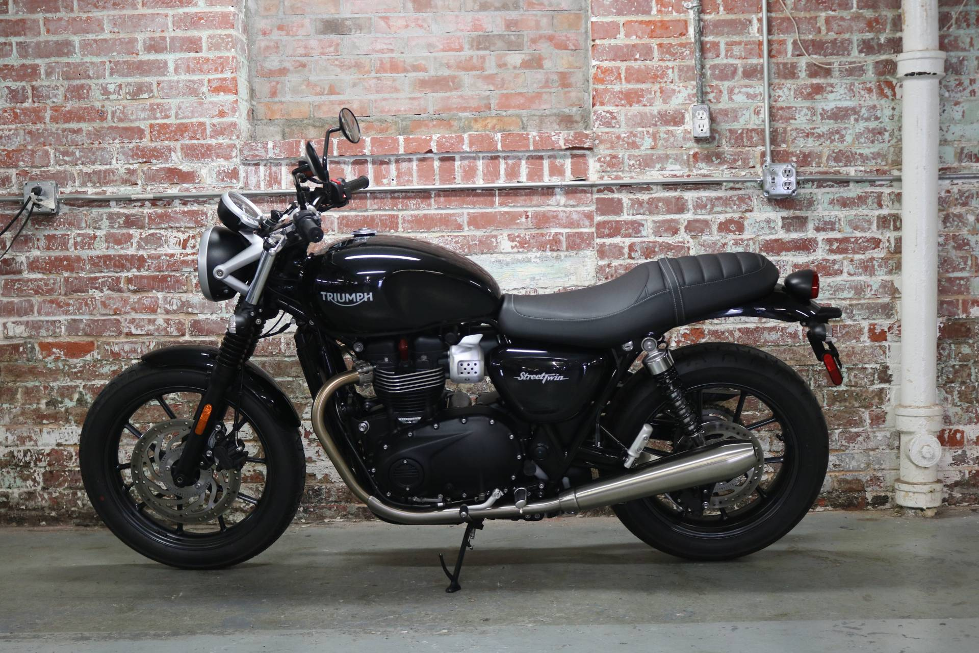 2018 triumph street twin for sale greensboro nc 51277. Black Bedroom Furniture Sets. Home Design Ideas