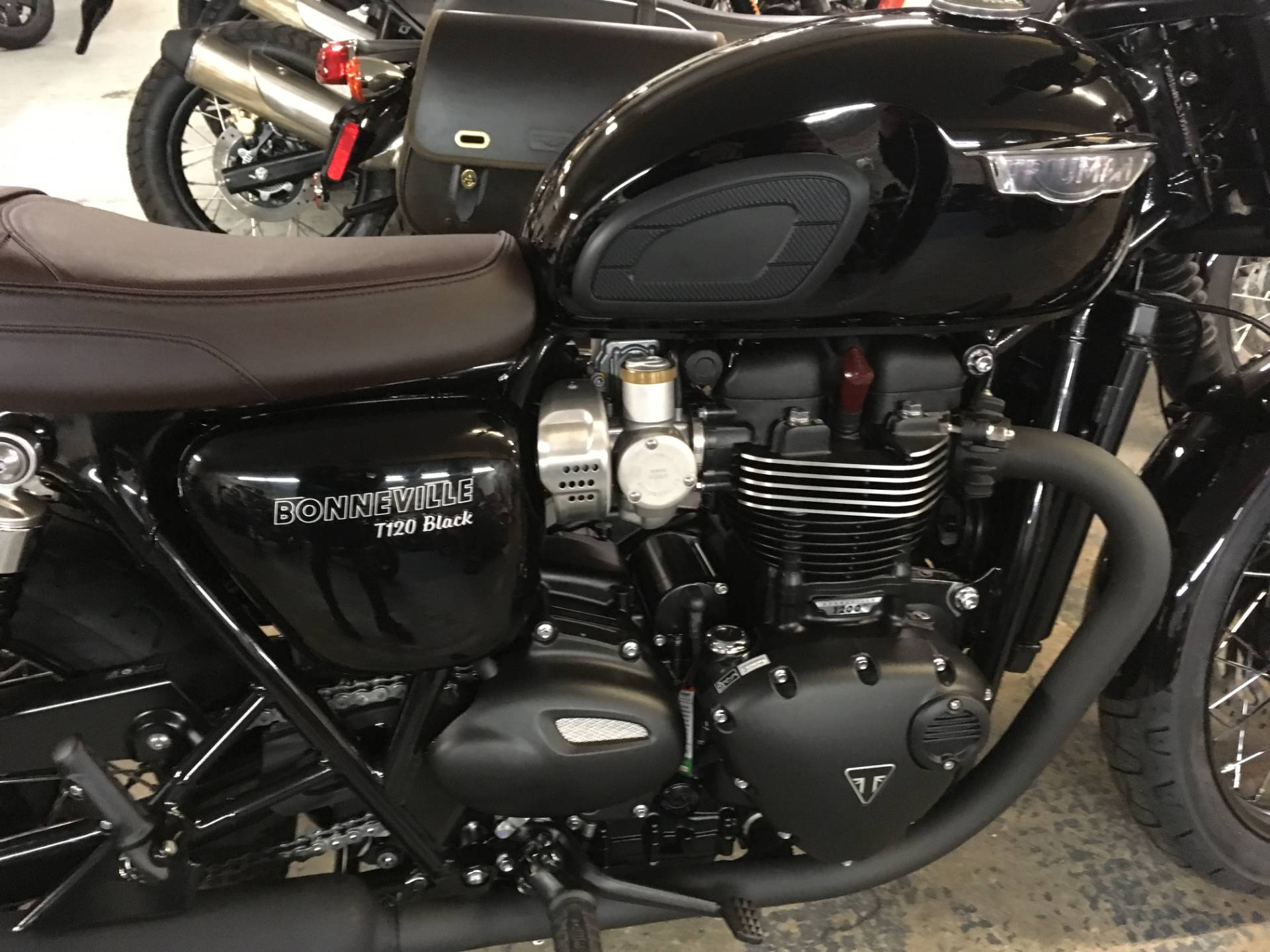 2020 Triumph Bonneville T120 Black in Greensboro, North Carolina - Photo 3