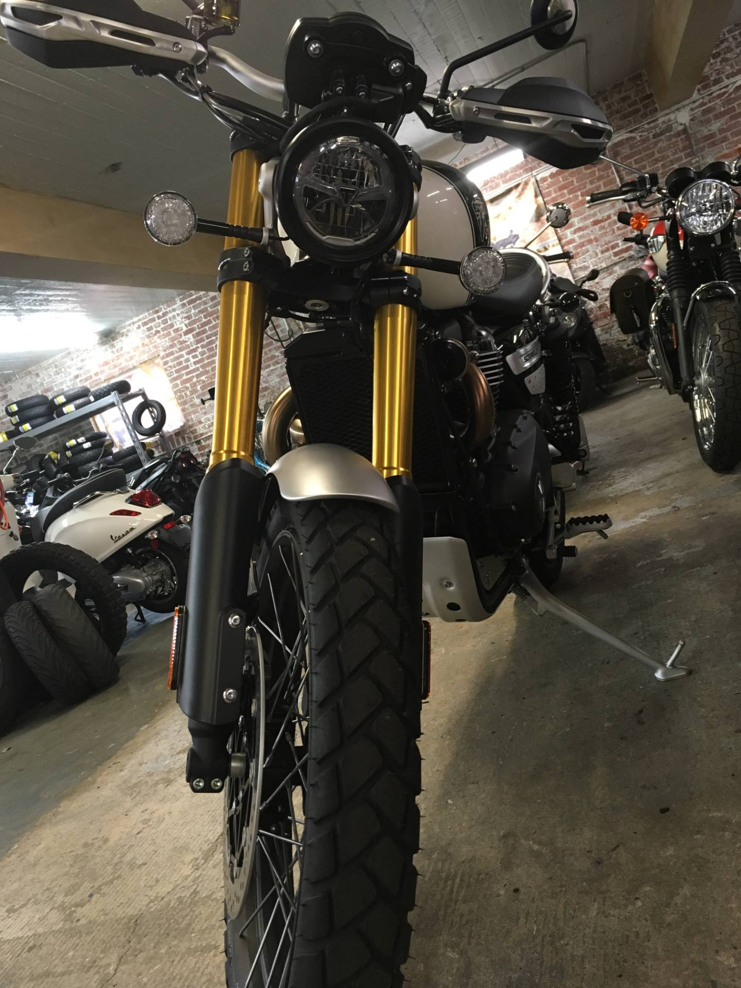 2019 Triumph Scrambler 1200 XE in Greensboro, North Carolina - Photo 5