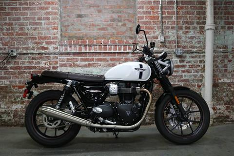 2018 Triumph Street Twin in Greensboro, North Carolina - Photo 3