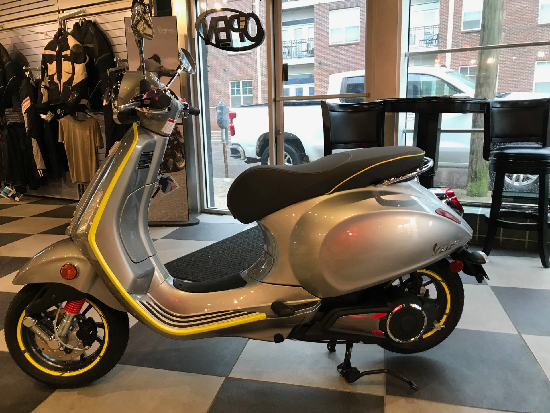 2021 Vespa Elettrica 45 MPH in Greensboro, North Carolina - Photo 2