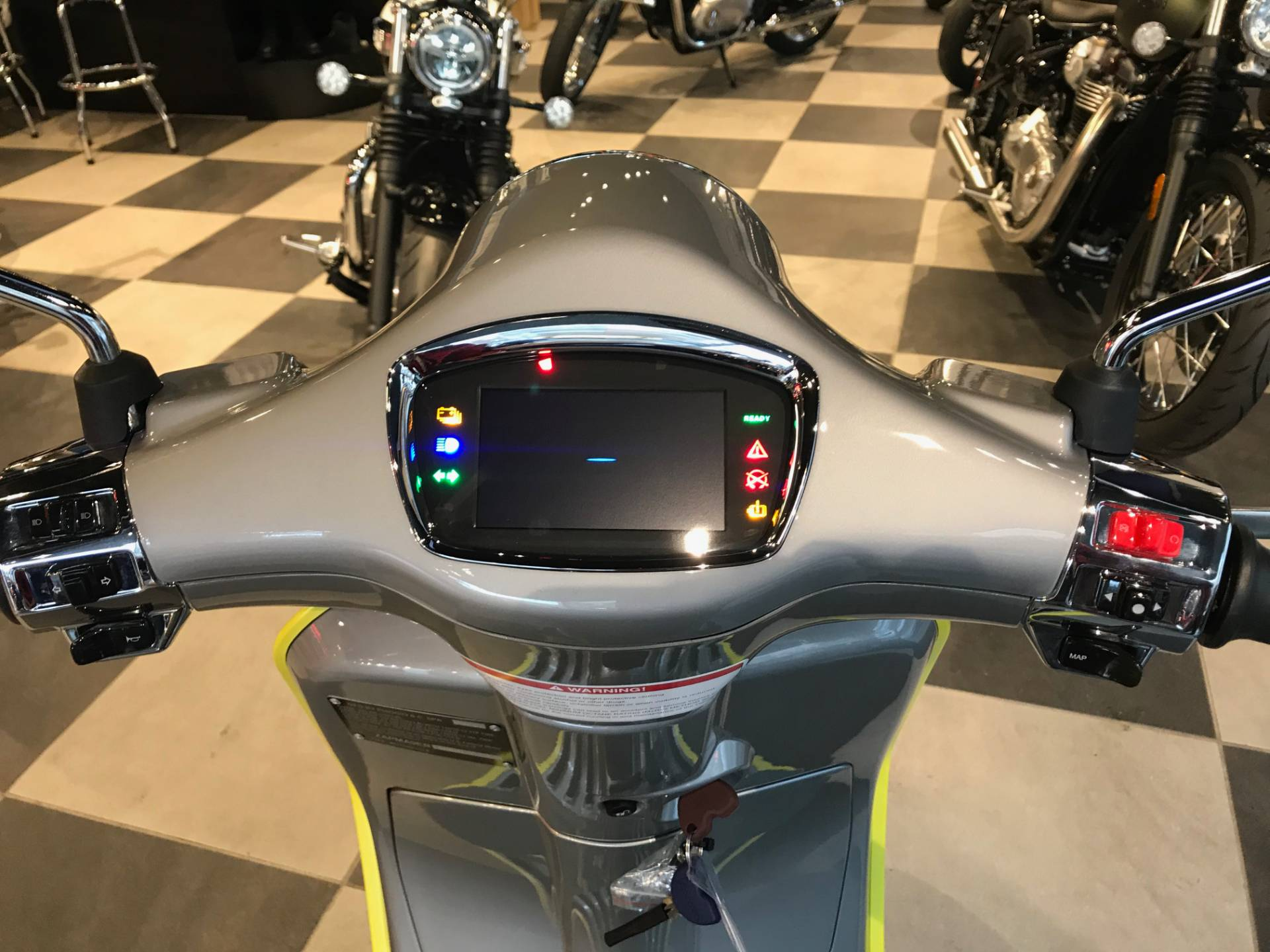 2021 Vespa Elettrica 45 MPH in Greensboro, North Carolina - Photo 5