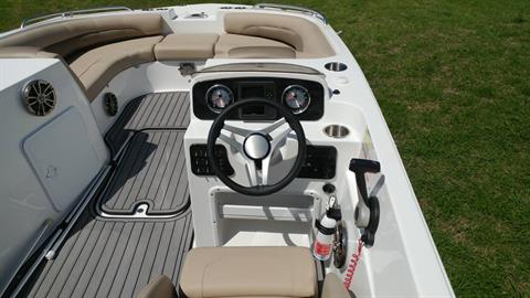 2016 Hurricane SunDeck Sport 188 OB in Lewisville, Texas - Photo 12