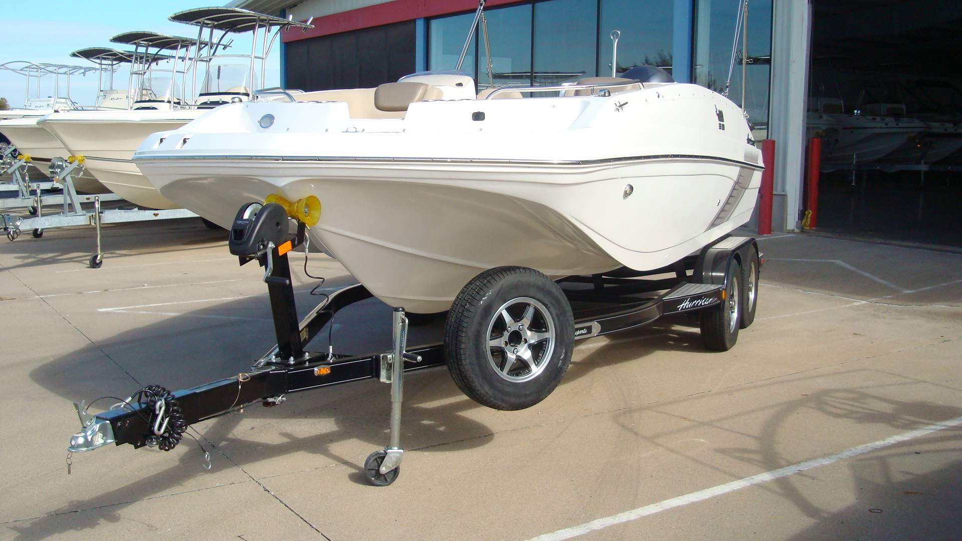 2016 Hurricane SunDeck Sport 188 OB in Lewisville, Texas - Photo 4