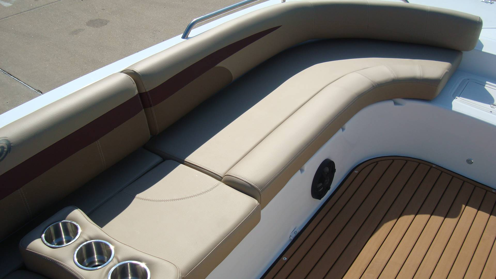 2018 Hurricane SunDeck Sport 201 OB in Lewisville, Texas - Photo 16