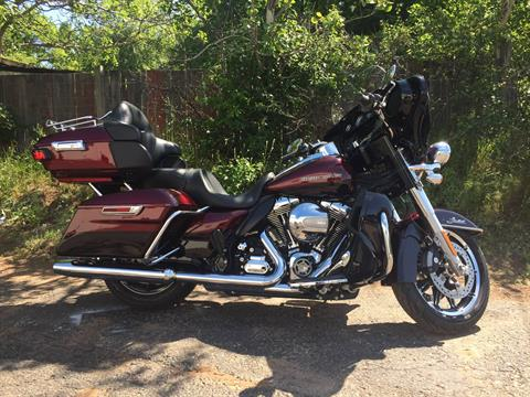 2015 Harley-Davidson LIMITED LOW in Marquette, Michigan