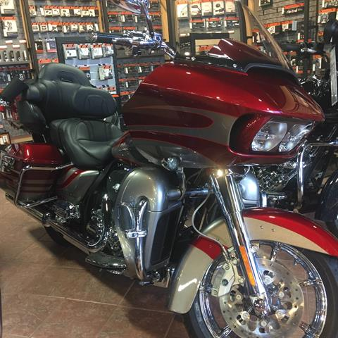 2016 Harley-Davidson CVO ROAD GLIDE ULTRA in Marquette, Michigan
