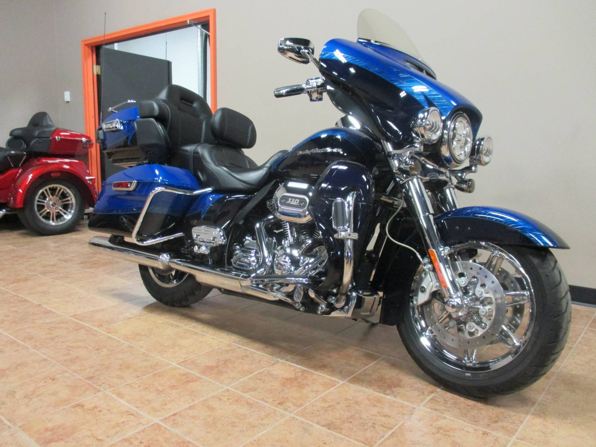 2014 Harley-Davidson CVO LIMITED in Marquette, Michigan