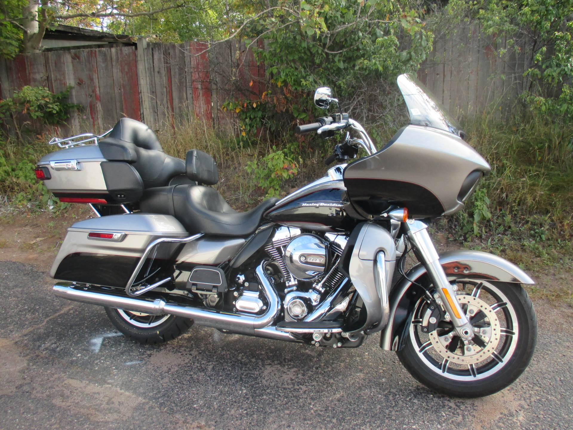 2016 Harley-Davidson ROAD GLIDE ULTRA in Marquette, Michigan