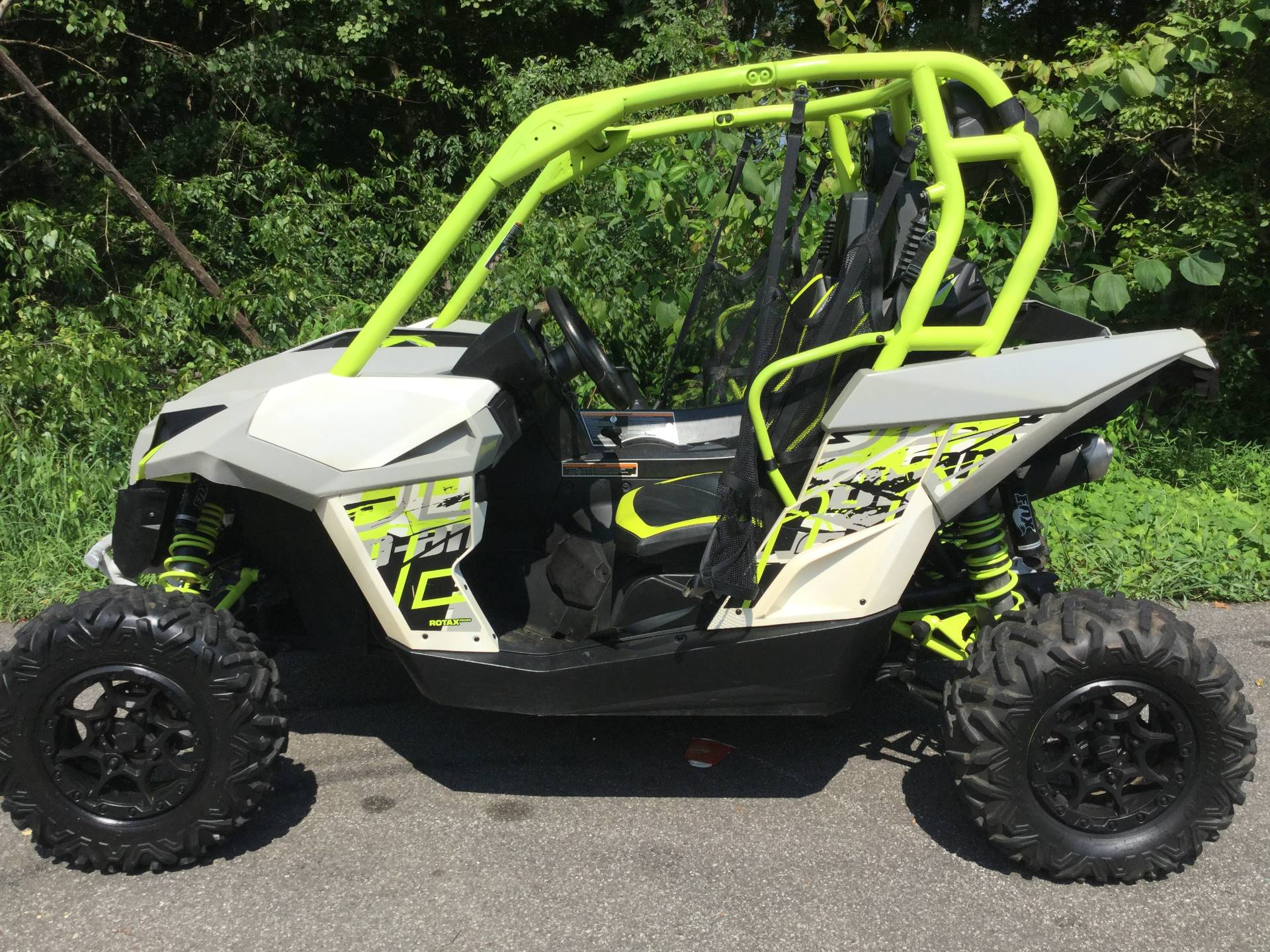 2015 Can-Am Maverick™ X® ds 1000R Turbo in Woodstock, Georgia