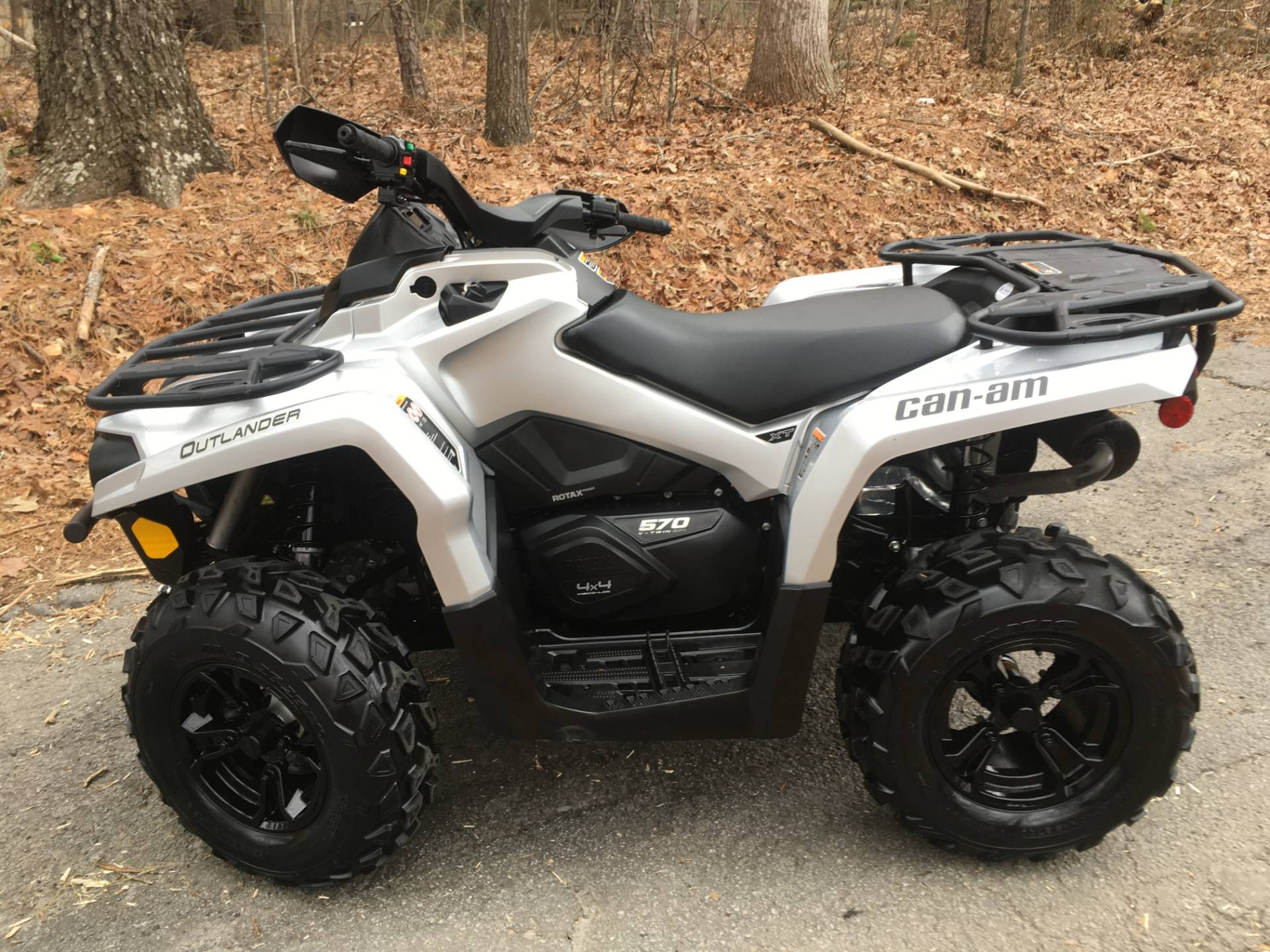 2019 CAN-AM OUTLANDER XT 570 in Woodstock, Georgia - Photo 2