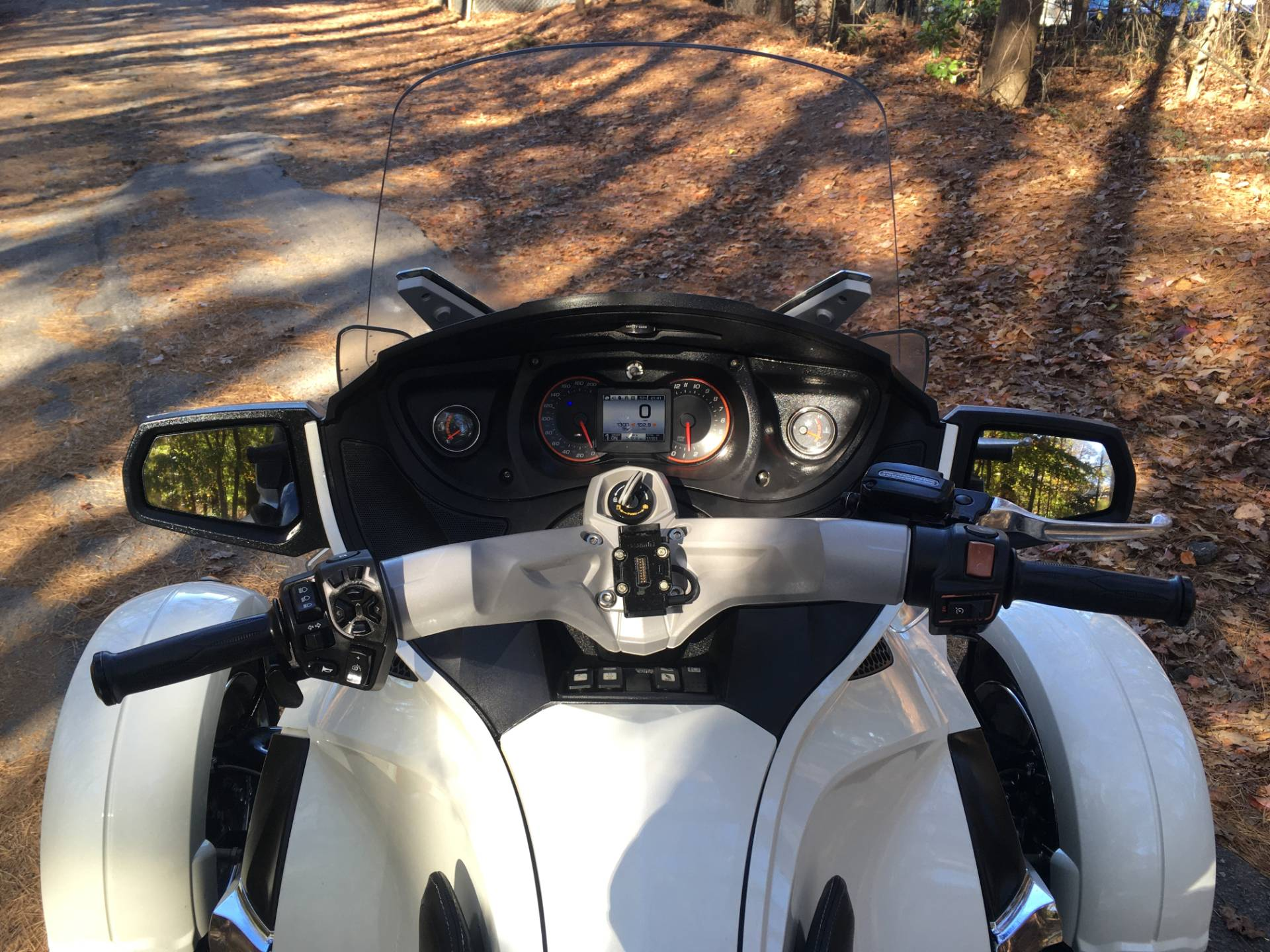 2012 CAN-AM SPYDER RT SE5 LIMITED in Woodstock, Georgia - Photo 12