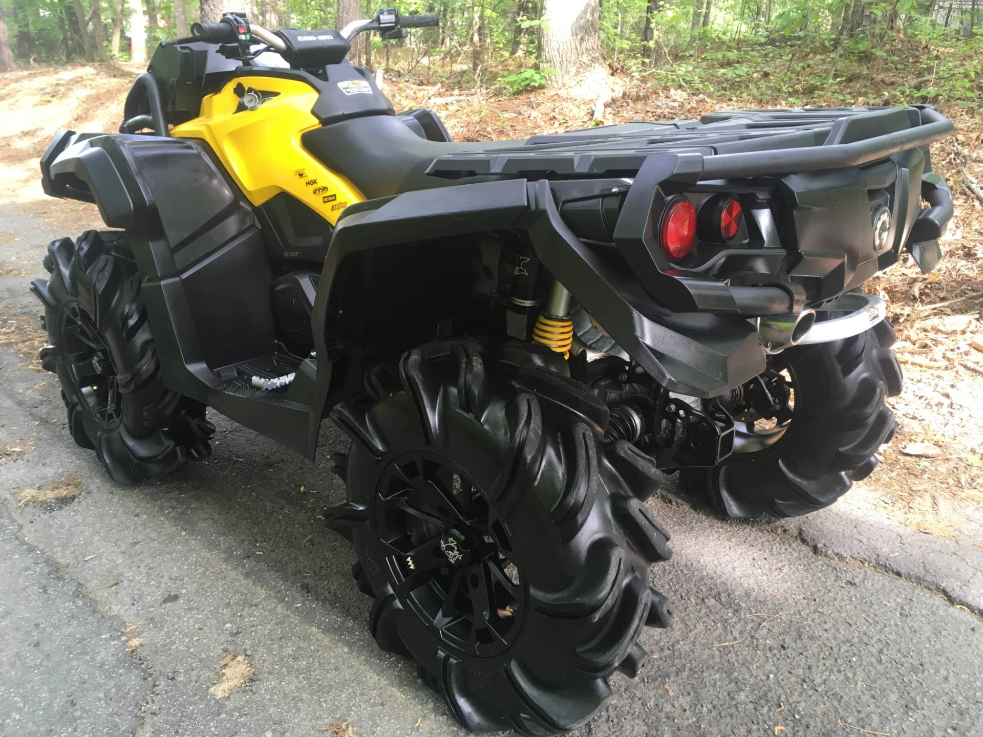 2015 Can-Am Outlander™ X® mr 1000 in Woodstock, Georgia - Photo 3