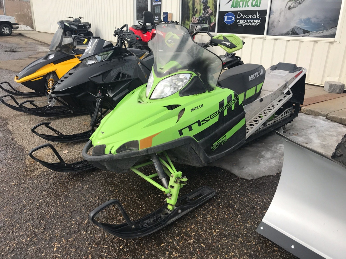 "2011 Arctic Cat M8 Sno Pro® 153"" Limited in Bismarck, North Dakota - Photo 2"