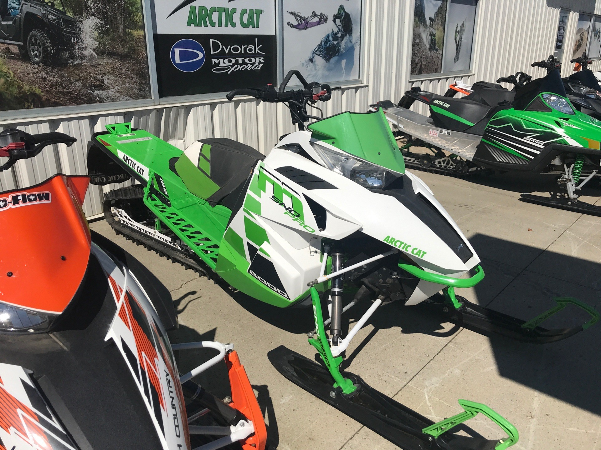 2017 Arctic Cat M 8000 Sno Pro 162 in Bismarck, North Dakota - Photo 2