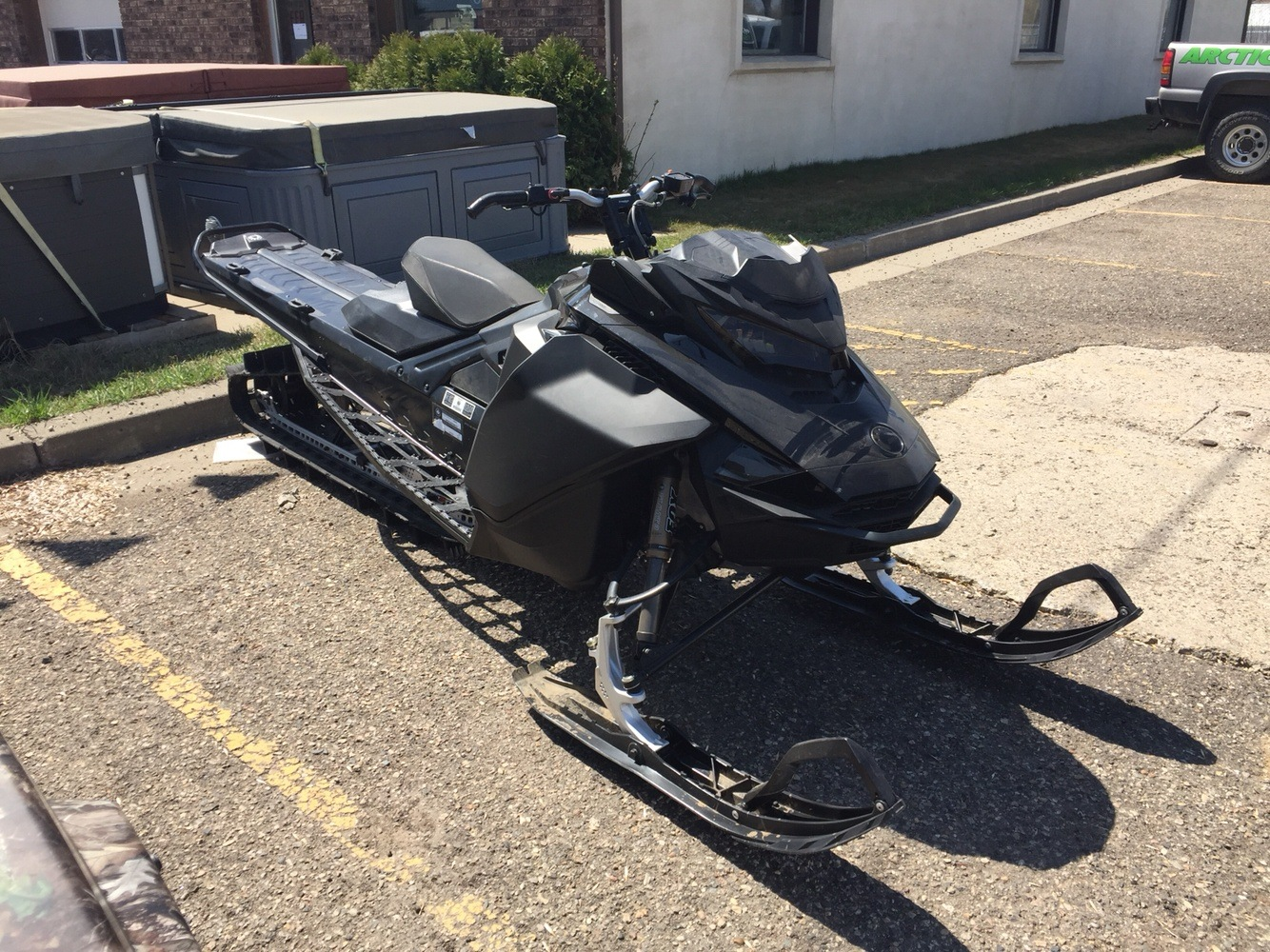 2017 Ski-Doo Summit X 165 850 E-TEC, PowderMax 3.0 in. in Bismarck, North Dakota - Photo 1