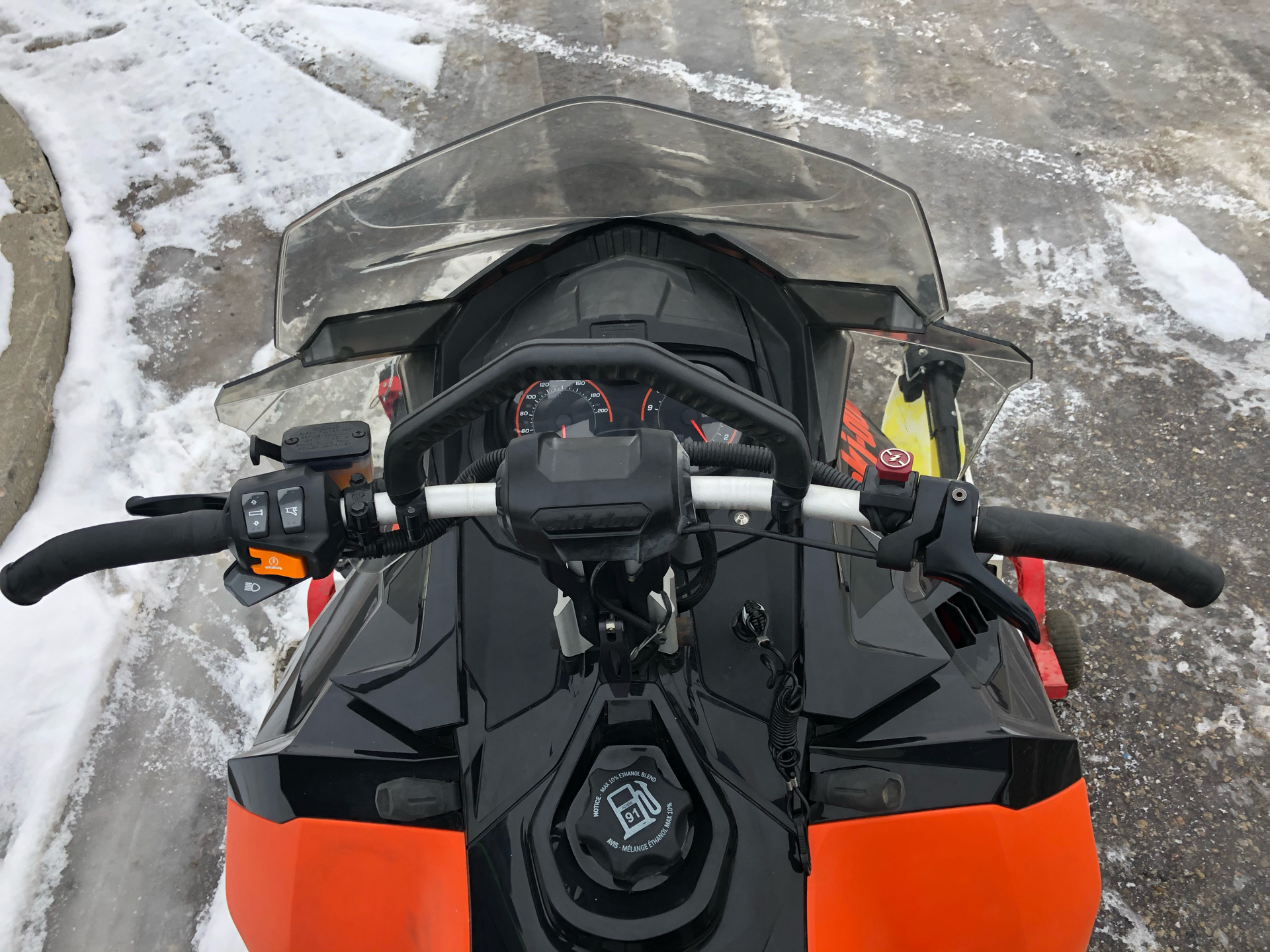 2016 Ski-Doo Renegade Backcountry 800R E-TEC in Bismarck, North Dakota - Photo 8