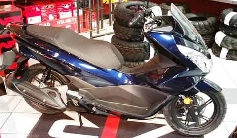 2018 Honda PCX150 in Palatine Bridge, New York - Photo 2