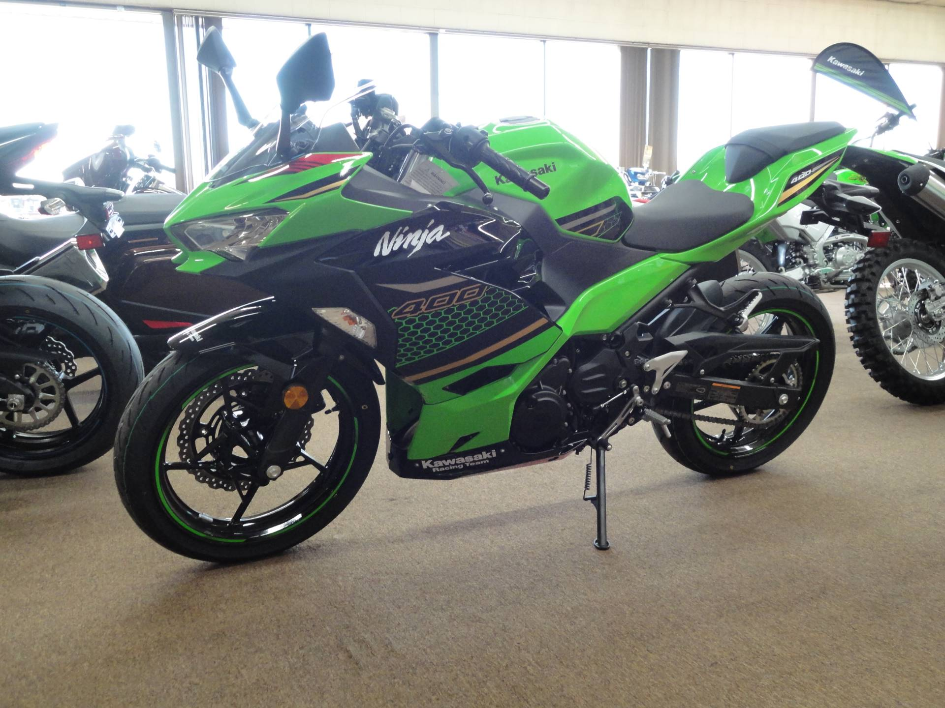 2020 Kawasaki Ninja 400 KRT Edition in Norfolk, Nebraska - Photo 3