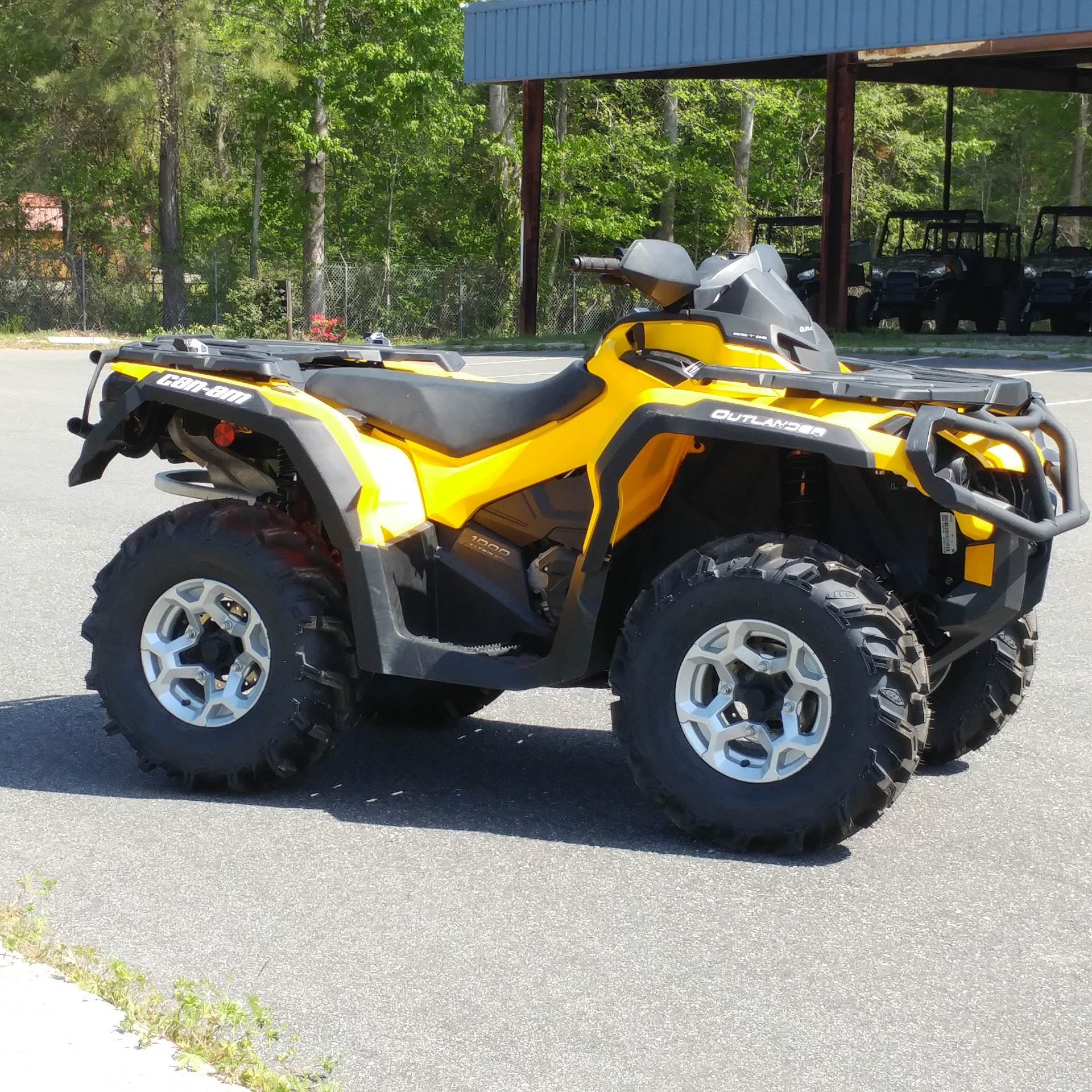 2014 Can-Am Outlander™ DPS™ 1000 in Hayes, Virginia
