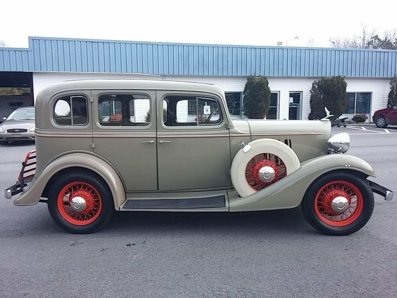 1933 Chevrolet Master Eagle in Hayes, Virginia - Photo 2