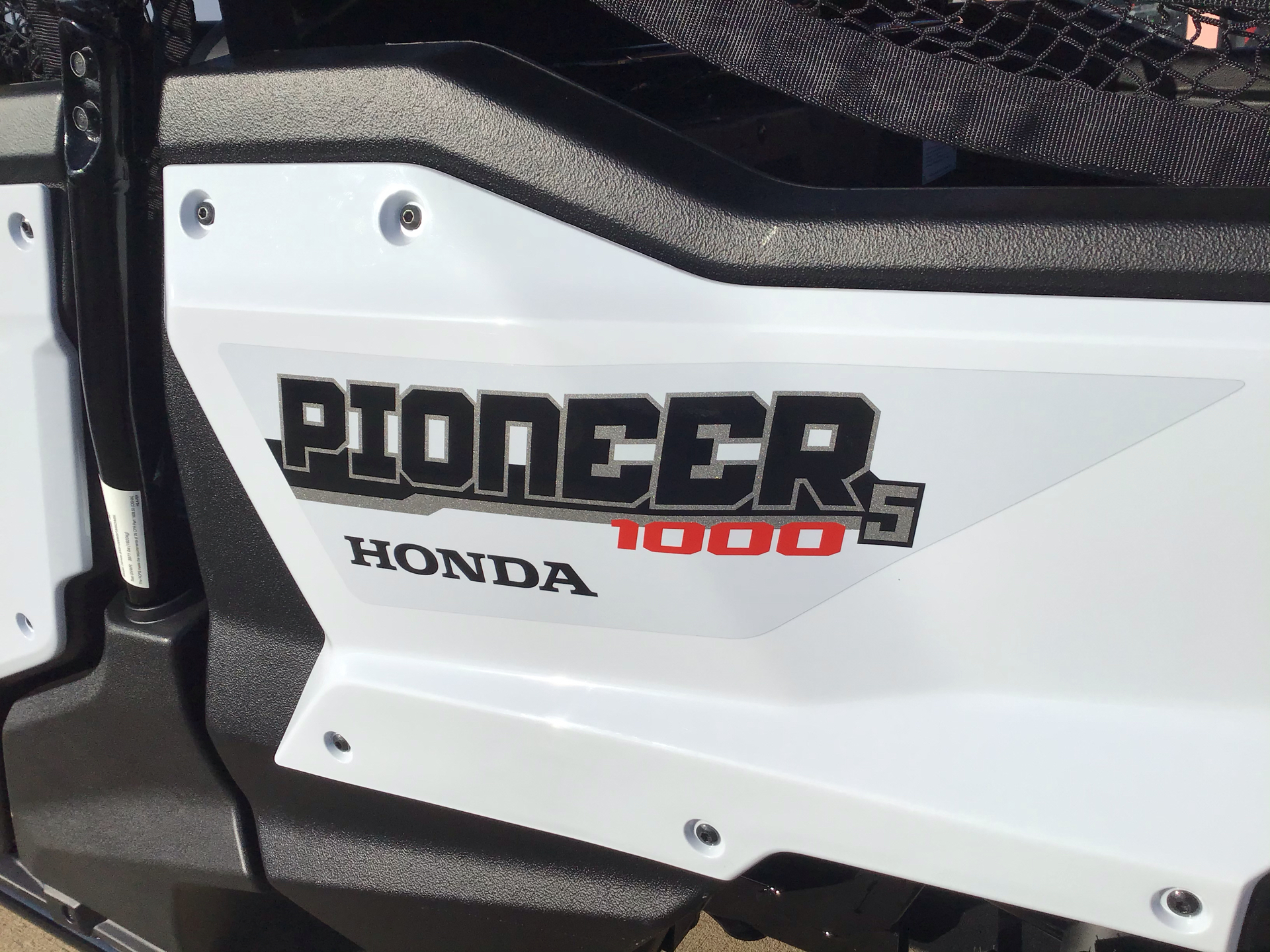 2021 Honda Pioneer 1000-5 Deluxe in Belle Plaine, Minnesota - Photo 6