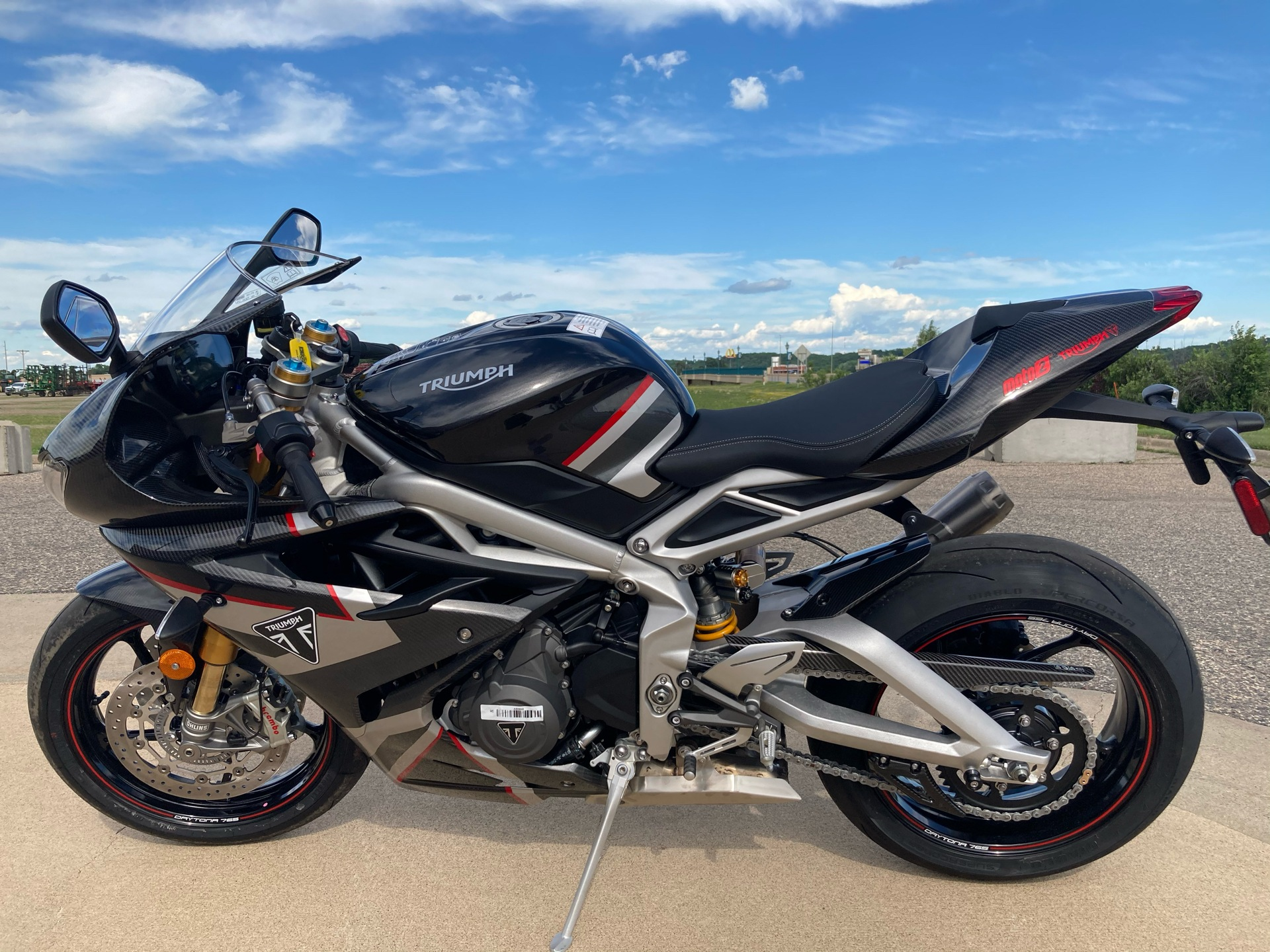 2020 Triumph Daytona Moto 2 Limited Edition in Belle Plaine, Minnesota - Photo 13
