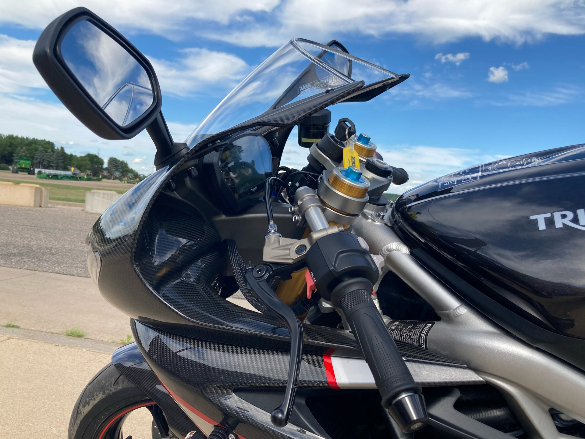 2020 Triumph Daytona Moto 2 Limited Edition in Belle Plaine, Minnesota - Photo 17