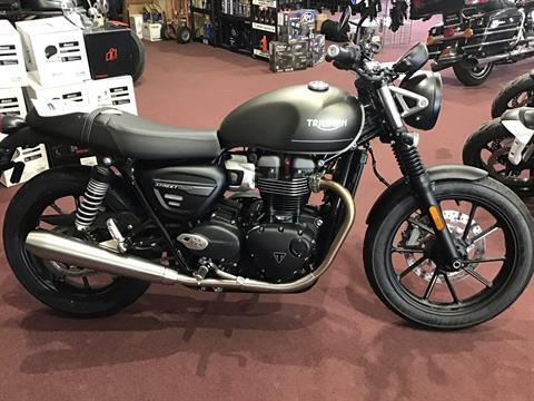 2022 Triumph Street Twin in Belle Plaine, Minnesota - Photo 1
