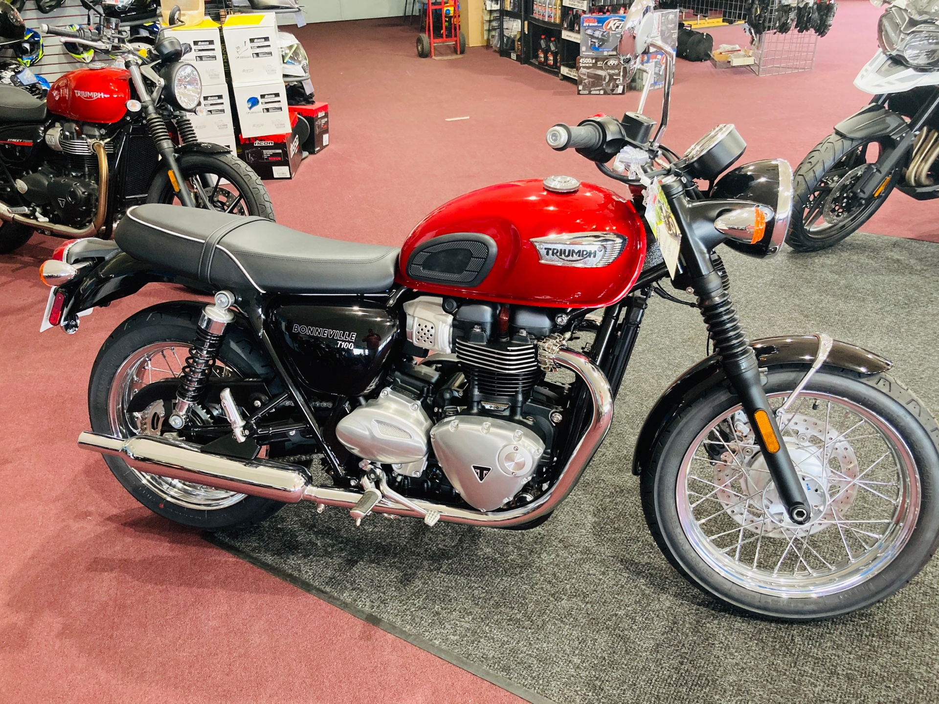 2020 Triumph Bonneville T100 in Belle Plaine, Minnesota - Photo 2