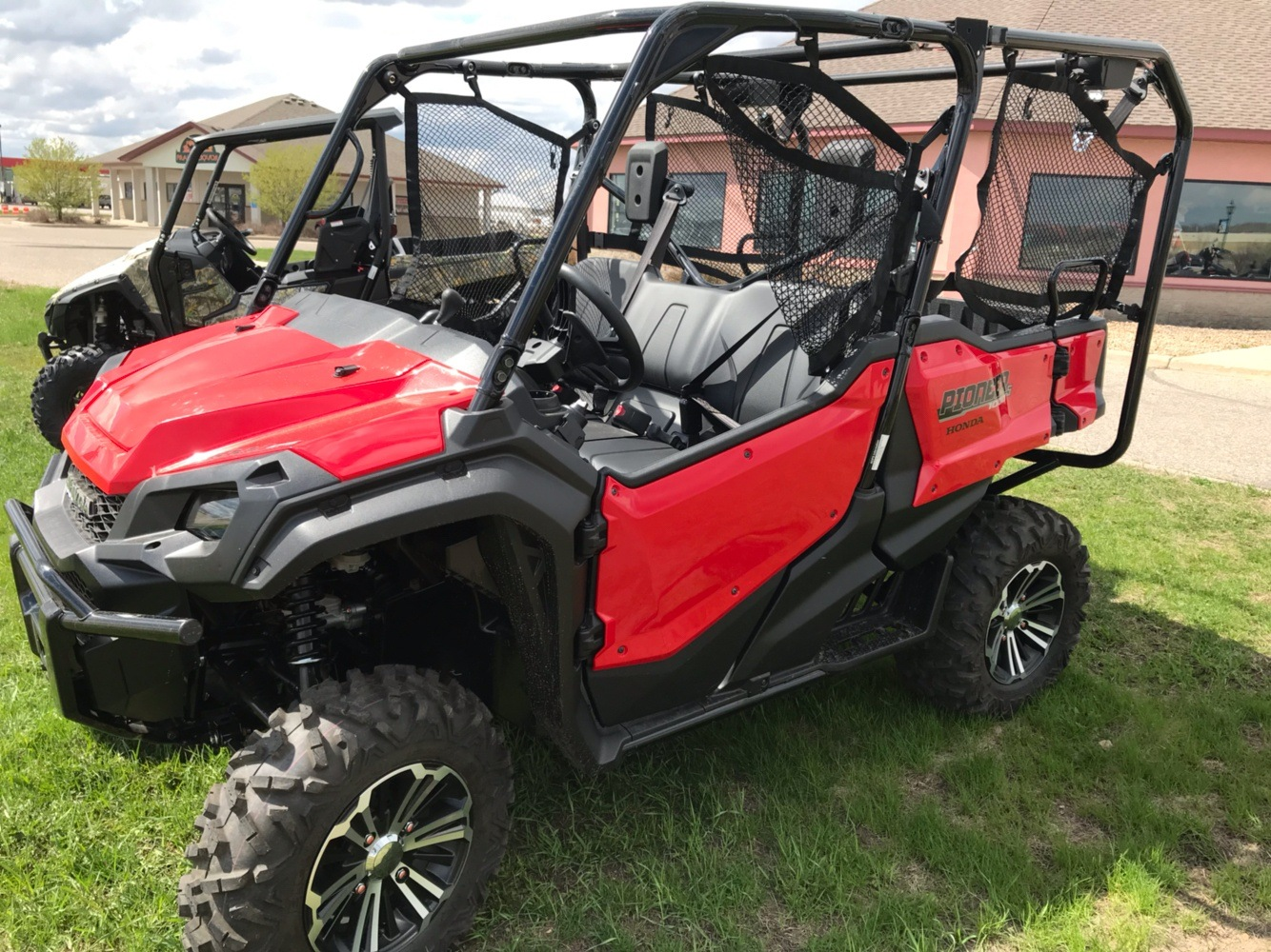 2019 Honda Pioneer 1000-5 Deluxe in Belle Plaine, Minnesota - Photo 3