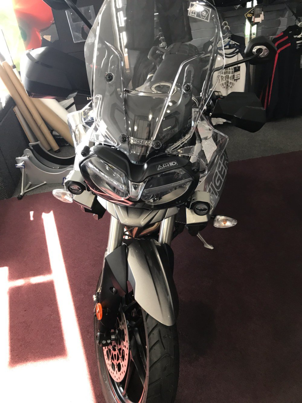 2019 Triumph Tiger 800 XRt in Belle Plaine, Minnesota - Photo 2